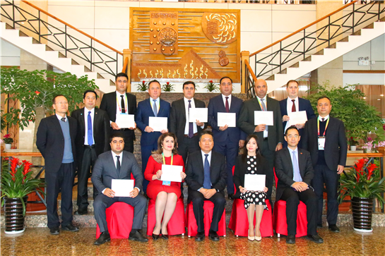 The Graduation Ceremony of Uzbekistan Modern Agricultural Economic Management Seminar (2019) Held in Yangling, Shaanxi Province, China